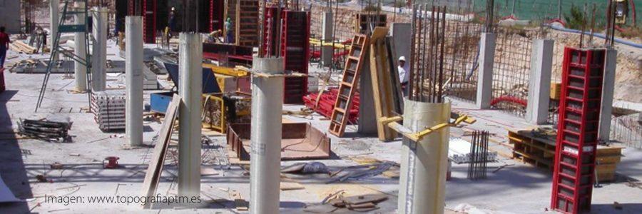 Los esfuerzos oblicuos a la acción de rellenos sobre cimentación profunda